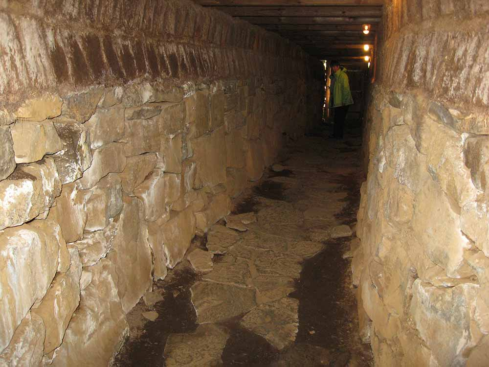 The tunnel under Skálholt church